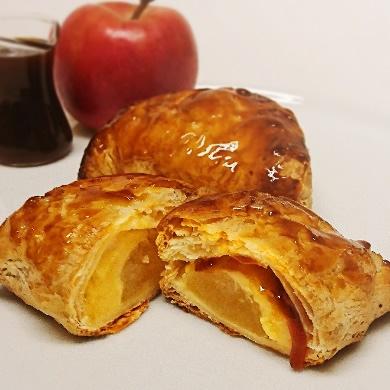 お芋の蜜のアップルパイ
