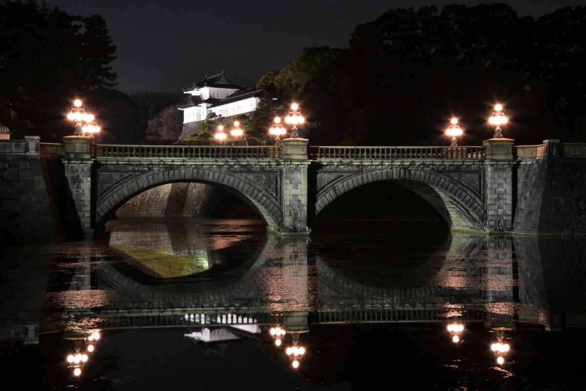 皇居二重橋のライトアップ