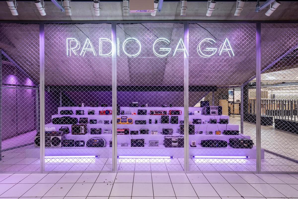 RADIO GA GA – Radio Installation
