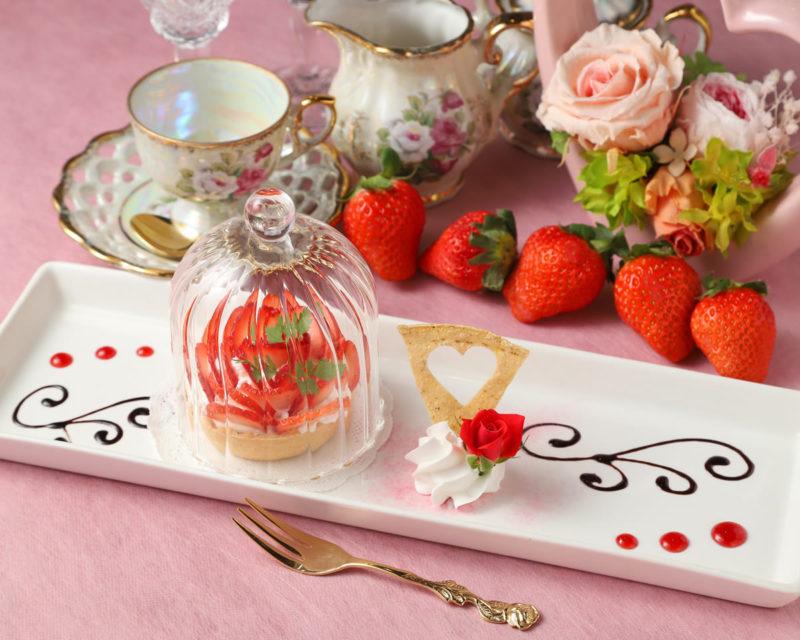 苺の薔薇タルト