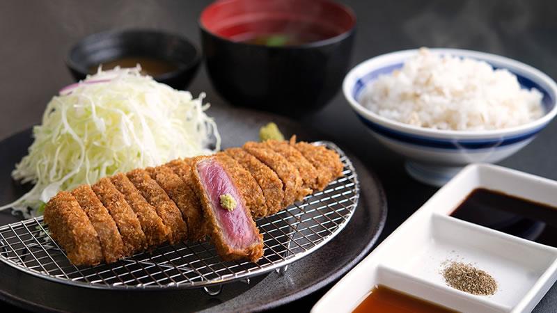 牛カツ京都勝牛「元祖赤・牛ロースカツ膳」