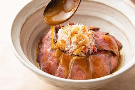 福島牛のカニまみれウニソース丼