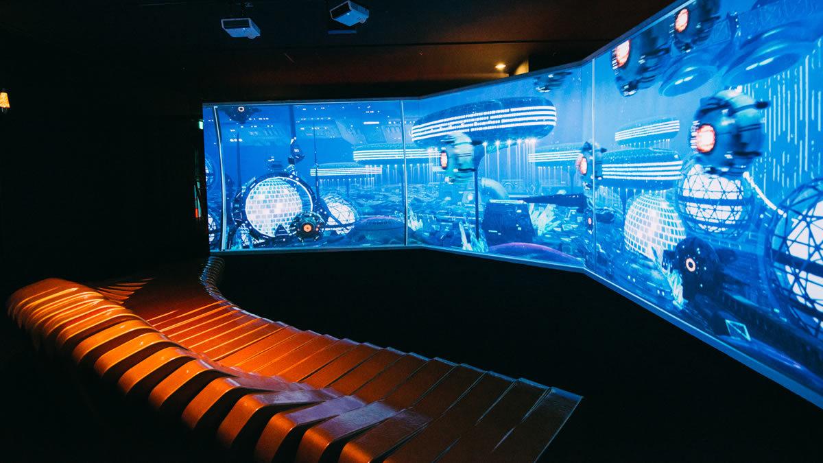 アクアリウム宇宙旅行「UNDER WATER SPACE」横浜