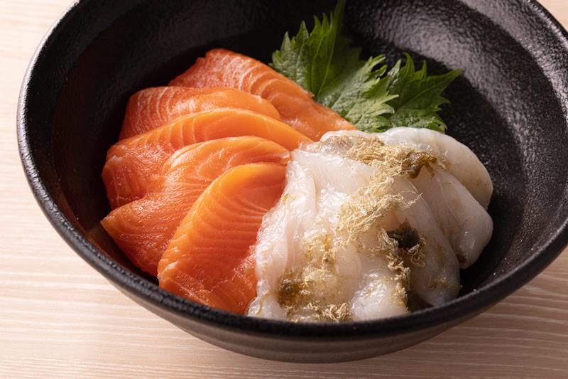 昆布漬けヒラメとメイプルサーモン丼