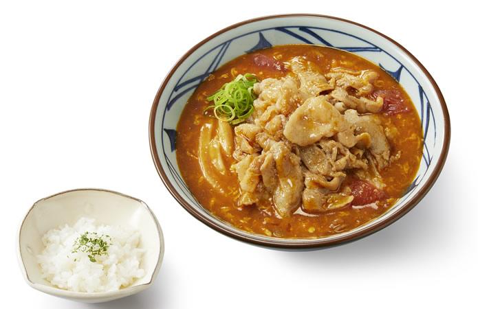 丸亀製麺 豚肉のせトマたまカレーうどん ひと口ごはん付